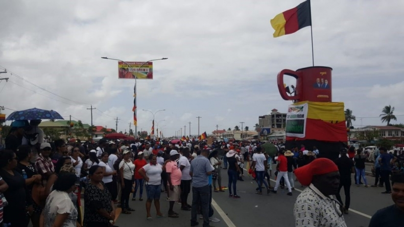 Police fire teargas at PPP supporters at Lusignan as sporadic election-related disturbances break out in Berbice, Demerara; PPP appeals for calm