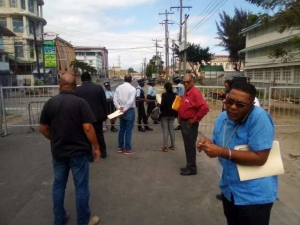 Political parties, observers blocked at barricades