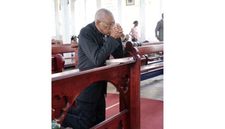 President attends Sunday Mass