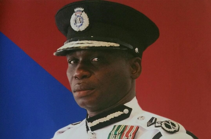 Private sector calls on Top Cop to act professionally