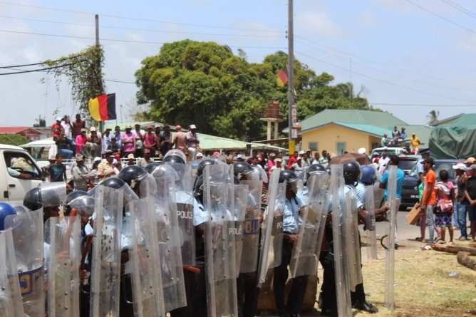 Use of 'minimum force' on protesters necessary