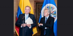 alejandro-ordonez-maldonado-ambassador-permanent-representative-of-colombia-to-the-oas-and-luis-almagro-oas-secretary-general