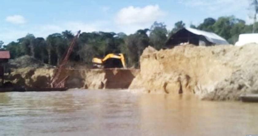 Dredges mining on Lower Potaro despite cease order