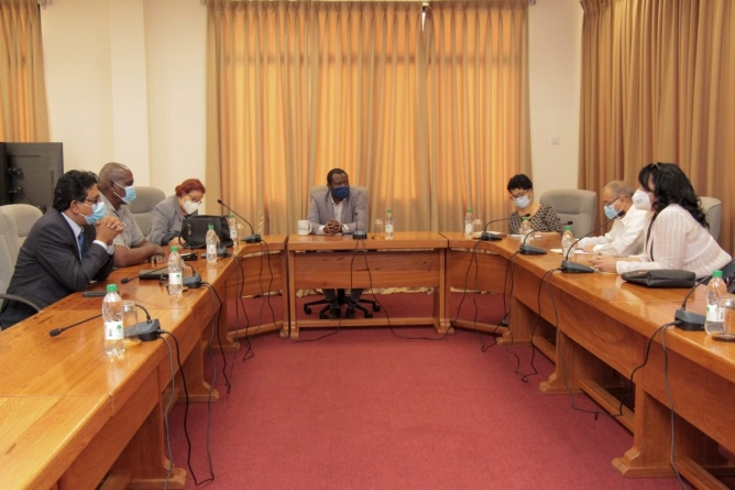 Todd convenes meeting on Cubans waiting to cross over from Suriname
