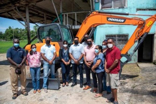 $10.5M mini excavator for Grove/Diamond NDC