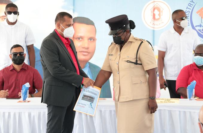 1,000 receive houselots in La Reconnaissance