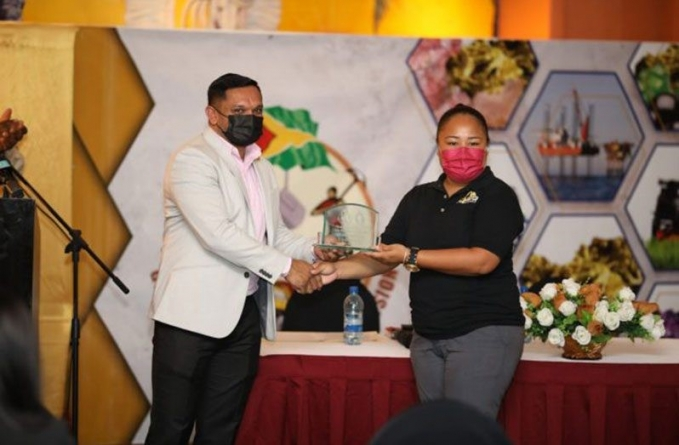 Gov't committed to rebuilding mining sector amid pandemic, flooding