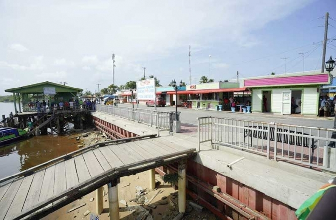 Floating ramp, new parking lot for Supenaam Stelling