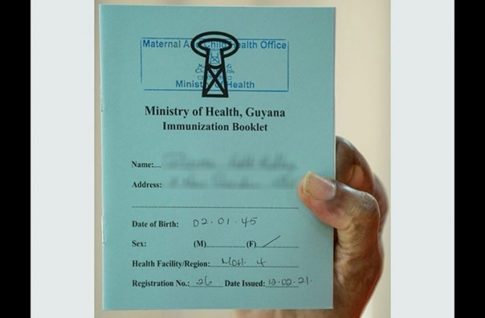 Laminating COVID-19 vaccination cards permitted once information is clear
