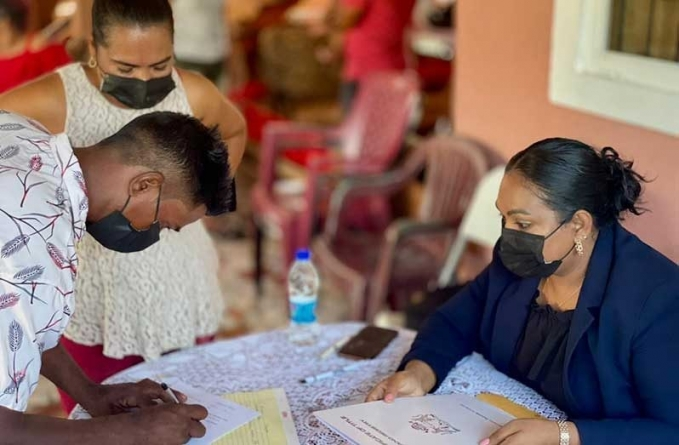 46 families receive land titles after 20 years of waiting